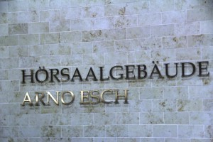 Hörsaalgebäude Arno Esch